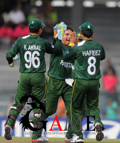 Pakistan bank on pacers to tame India