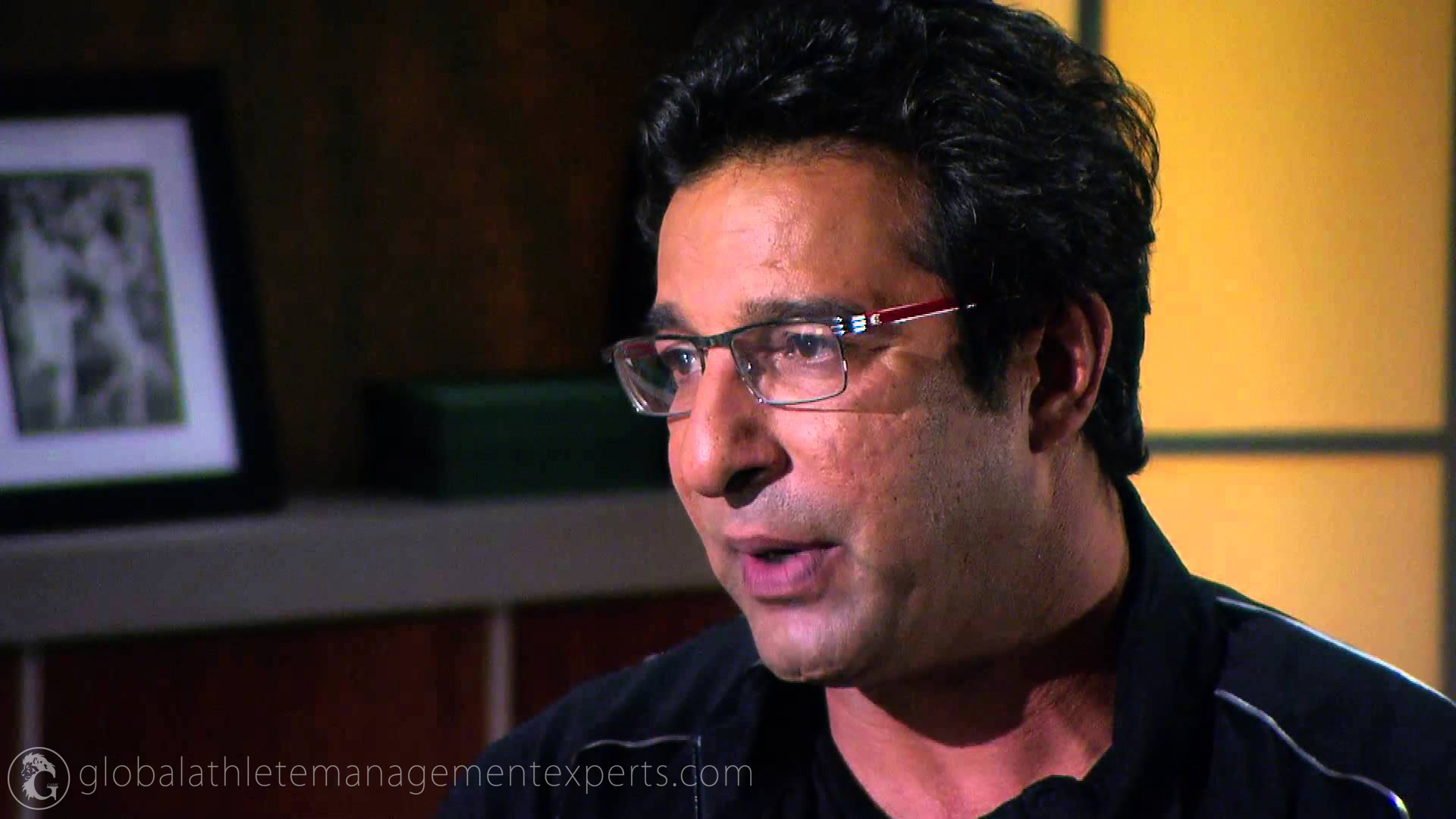 Wasim Akram steps in to resolve Afridi-Miandad tussle